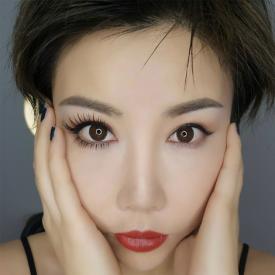贴假睫毛的步骤图片 详细图解假睫毛的贴法