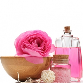 玫瑰精油用什么稀释 原来每种用途的稀释方法都不同