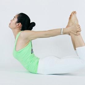 提臀瑜伽动作组图 5式瑜伽提臀动作练就完美翘臀