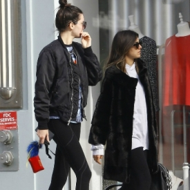 Kendall Jenner最新街拍 逆天长腿秒杀菲林