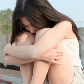 女人如何尽快走出失恋 想走出阴霾就别抱挽回的希望