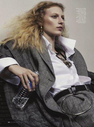 超模Julia Nobis 演绎《Vogue》杂志澳大利亚版