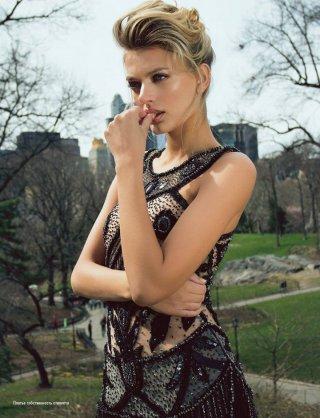 超模Bregje Heinen 演绎《L'Officiel》时尚杂志大片