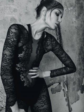 模特Daria Konovalova 演绎《Vogue》时尚杂志大片