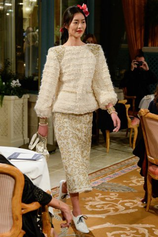 Chanel(香奈儿)2017手工坊系列高级定制时装秀