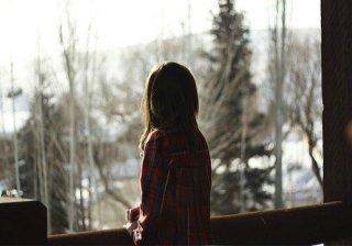 唯美意境孤单女生背影