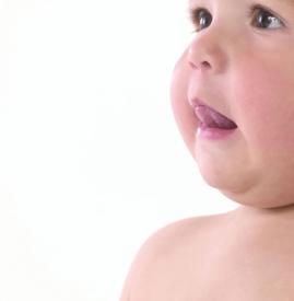 鹅口疮的危害 情况严重可致呼吸困难
