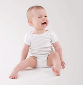 新生儿肠绞痛的症状 应正确区别正常的哭闹