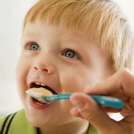 宝宝添加辅食的注意事项 妈妈应避免犯这十二个错误