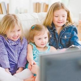 小孩看电视总眨眼 这六大原因你可知