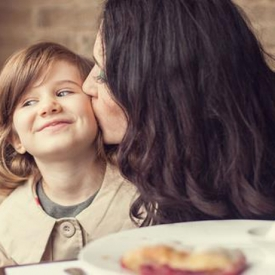 容易引起性早熟的食物 孩子应避免食用这13种食物