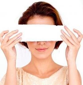 热毛巾敷眼睛去黑眼圈 简单有效的去黑眼圈方法get
