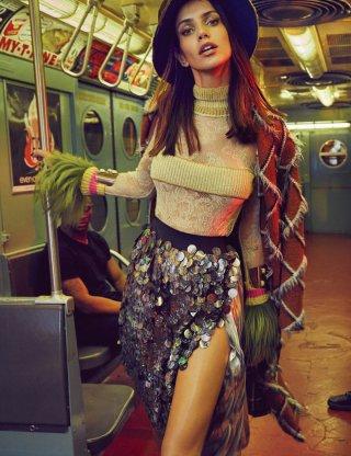 超模Amanda Wellsh 演绎Vogue杂志摄影大片