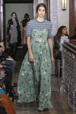 Valentino(华伦天奴)2017纽约时装周女时装秀