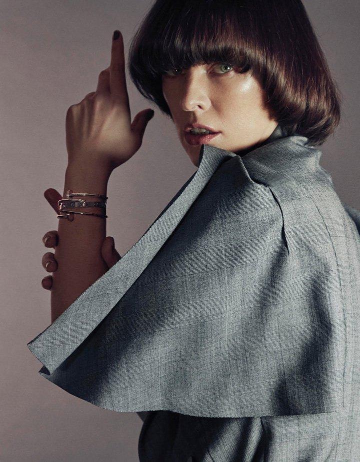 Milla Jovovich《Vogue》台湾省版2017年1月号