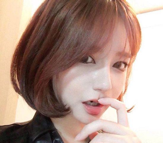 韩式偏分短发造型,现在很流行的c字形短发