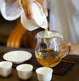 泡茶用什么杯子最好 4种杯子喝水很危险