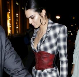 Kendall Jenner最新私服 皮衣+皮裤才够酷