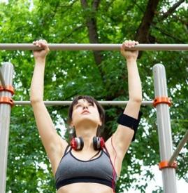 吊单杠能长高吗 拉伸运动是最安全健康的增高运动