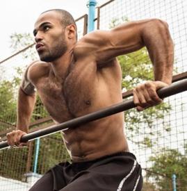 练单杠有哪些好处 8大好处让你爱上单杠运动
