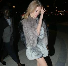 超模Natalia Vodianova巴黎出街 有颜又有钱简直人生赢家
