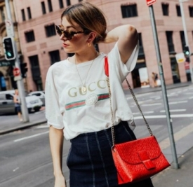 Gucci 标语T街拍 2017早春穿出复古腔调