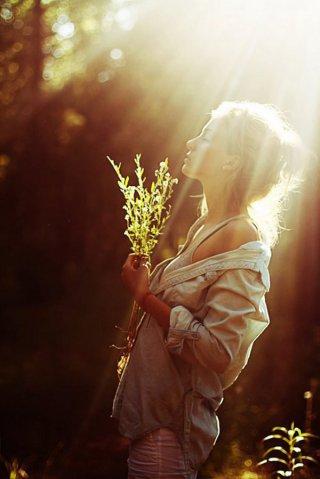 早安心语:抱着回忆不放的人,就没手去拥抱现在
