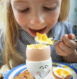 宝宝早上吃鸡蛋好吗 早上适量吃鸡蛋好处多多