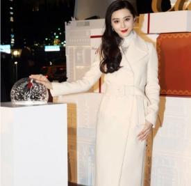 白色外套里面配什么颜色好看? 打造冰雪女王范style