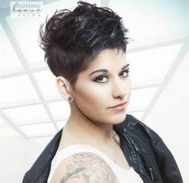 2017年最热的欧美短发 经典前卫女性Pixie发型