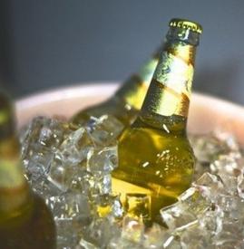 夏天喝啤酒能解暑吗 夏季喝啤酒消暑有讲究
