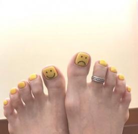 脚涂什么颜色指甲油好看 8款小清新脚部美甲随你选