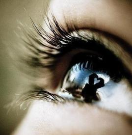美瞳会不会伤害眼睛 佩戴美瞳的危害有哪些