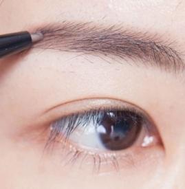 眉笔替换芯怎么换 眉笔换芯教程