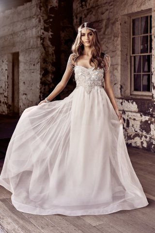 Anna Campbell 2018婚纱礼服秀 复古风婚纱打造完美新娘
