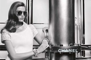法国奢侈品牌 Chanel(香奈儿)Chanel 2017秋冬眼镜系列广告大片