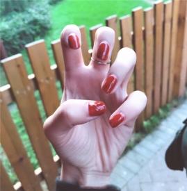 秋天橘红色美甲图片 秋冬大火南瓜色美甲欣赏