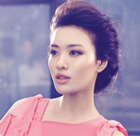 蓬松盘发发型扎法 尽显女性摩登气质