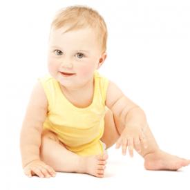 新生儿吃奶后拍嗝姿势 三种姿势简单又有效