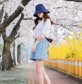 T恤配牛仔裙怎么搭配 塑造夏日俏皮少女范儿