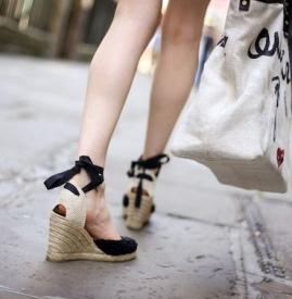 腿粗腿短穿什么鞋子 视觉上拉长腿部比例