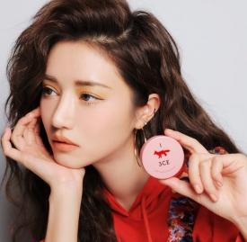 3CE 与Maison Kitsuné 推出联乘系列彩妆