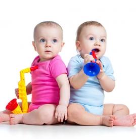 宝宝怎么坐是正确姿势 警惕宝宝三种不良坐姿
