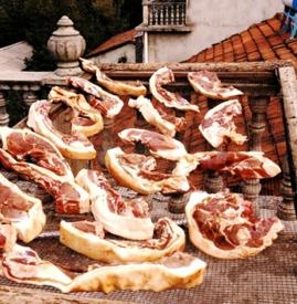 腊肉和熏肉的区别 腊肉熏肉咸肉一样吗