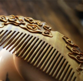什么材质的梳子梳头最好 为大家推荐六种好材质的梳子