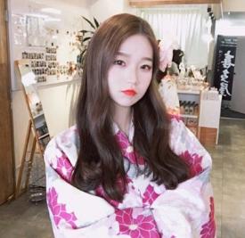 中分卷发发型图片 韩国美女可全在留