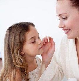 冬天宝宝脸上擦什么 婴儿护肤可以试试这七种