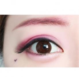 红色眼影怎么画好看 绝对魅惑的红色系眼影