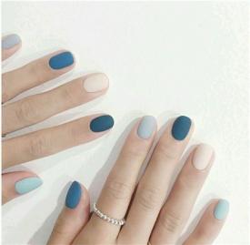 冬天蓝色美甲图片 最适合冬季的蓝色美甲