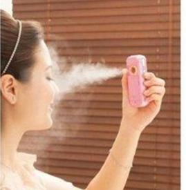 保湿喷雾怎么使用  随时随地都能补水的保湿喷雾